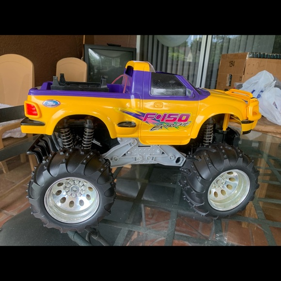 EZ-TEC Other - EZ-TEC F-150 Extreme RC Car Yellow/Purple. 49 MHz.